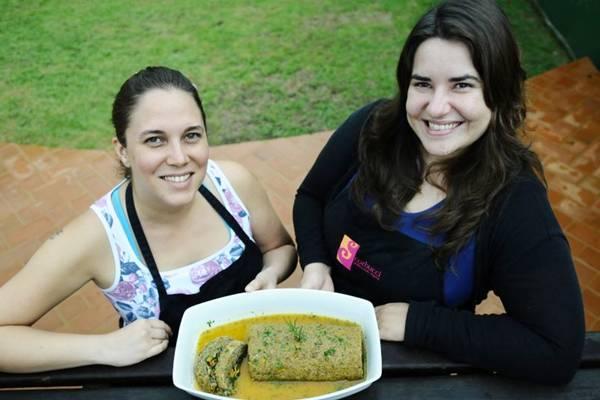 Marina Corbucci e Tainá Förthmann com assado de lentilha e quinoa: opção para veganos  ( Gilberto Alves/CB/D.A Press)