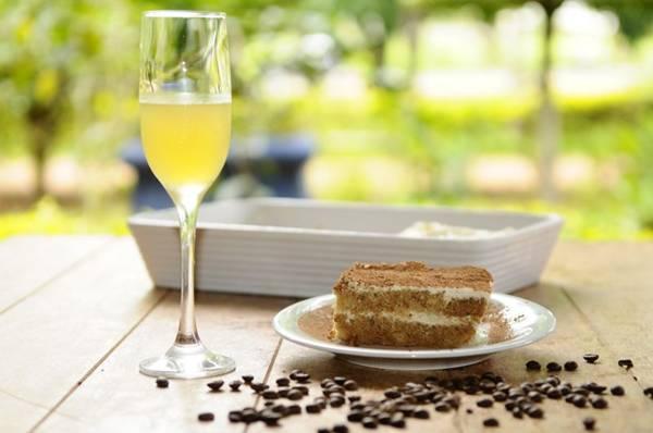 Dois clássicos italianos, tiramisù e limoncello são sugestões de sobremesa do chef Gianluca Scribano (Gilberto Alves/CB/D.A Press)