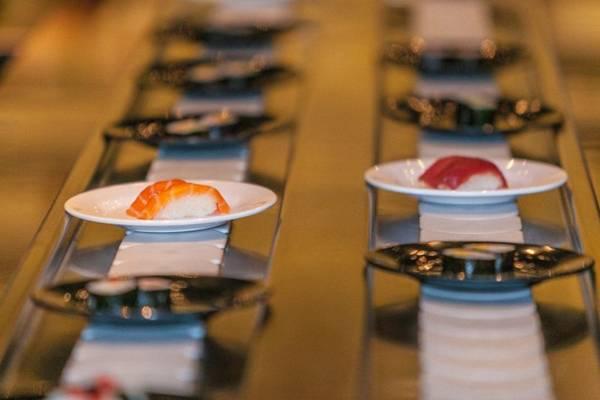 Esteira para sushi do restaurante Nazo, no SIG (Felipe Menezes/Divulgação)