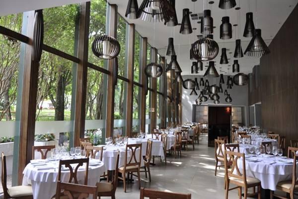 Restaurante Piantella depois de 30 anos se abre para a natureza ( Paula Rafiza/Esp. CB/D.A Press)