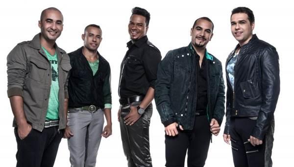 O grupo carioca Sorriso Maroto toca hits e inéditas, como Lua de mel (Sorriso Maroto/Imprensa/Divulgação)