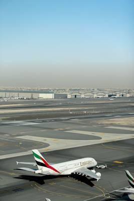 Com um fluxo diário de 180 mil passageiros, o aeroporto de Dubai é cenário de um reality show  (National Geographic Channels)