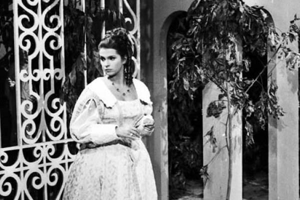 Antes de escandalizar o país, Leila Diniz foi a mocinha da trama de Emiliano Queiroz (TV Globo/Reprodução)
