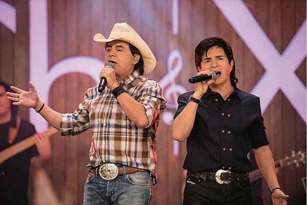 Canções do repertório clássico da dupla estarão no show (Cadu Fernandes/Divulgação)