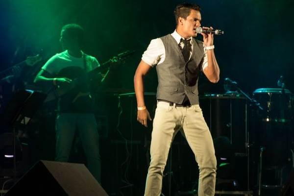 Grupo se Joga é uma das atrações do Festival Natalino de Samba (Romulo Juracy/Esp. CB/D.A Press)