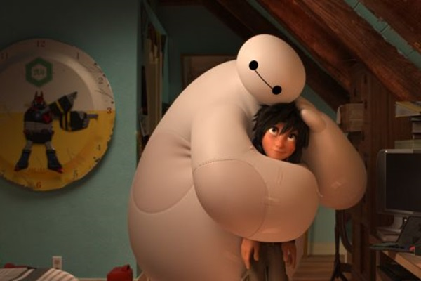 Amizade entre o robô Baymax e o protagonista Hiro Hamada é um dos pilares da história (Disney/Divulgação)