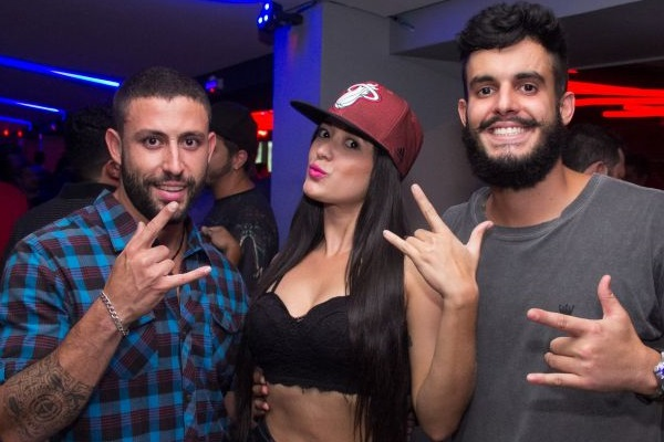 DJ BKM, Beatriz Lima e Matheus do Vale  (Romulo Juracy/Esp. CB/D.A Press)