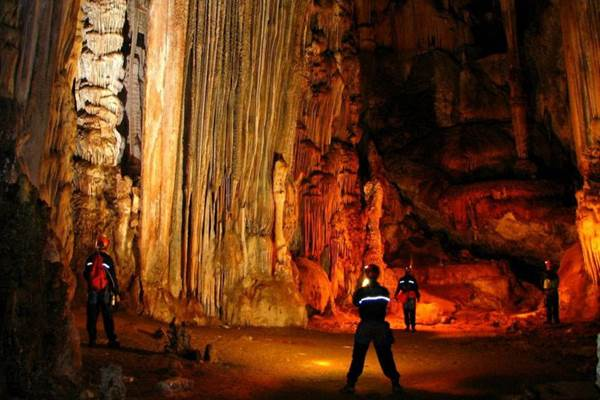 Salões são os locais mais procurados da gruta (Cristiano Ferreira/Divulgação)