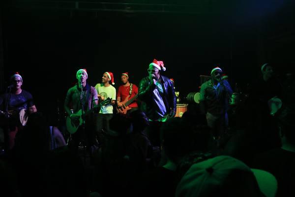 O grupo Barraca Armada comandou a festa (Vinícius Melo/Divulgação)