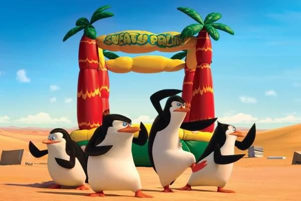 Pinguins buscam proteção na organização Vento do Norte contra um polvo  (Fox/Divulgação)