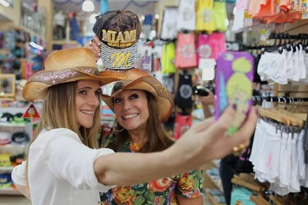 Ingrid Guimarães e Susana Viera em Miami  (Duarte Roriz/ Divulgação)