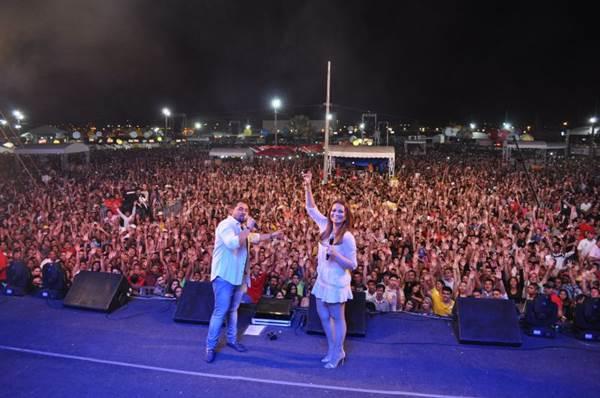 Neste mês, Xand e Solange se apresentaram em Brasília na Festa de Verão (A3 Fortaleza/Divulgação)