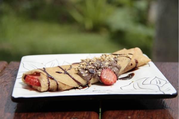 Panqueca de morango e chocolate, servida na Creperia Frisson (Ana Rayssa/Esp. CB/D.A Press)