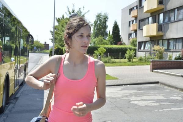 Marion Cotillard rouba a cena em filme exibido em Cannes ( Imovision Filmes/Divulgação)