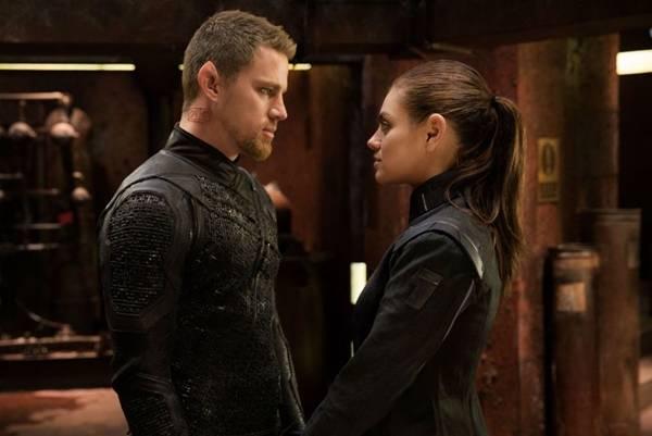 Casal promissor não decola em trama rasa e sem emoção (Warner Bros/Divulgação)