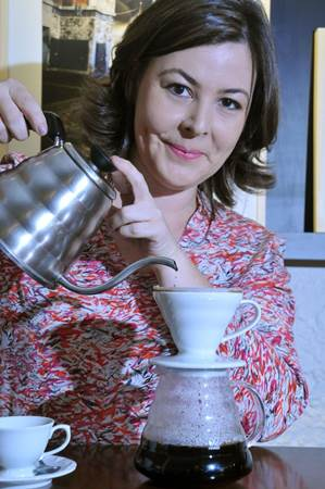 Juliana Pedro, especialista e proprietária do Ernesto Cafés Especiais (Antonio Cunha/Esp. CB/D.A Press)