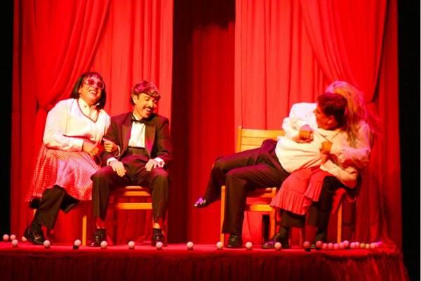 O sexo rende cenas engraçadas pelas mãos do grupo Os Melhores do Mundo (Leonardo Arruda/Esp. CB/D.A Press)