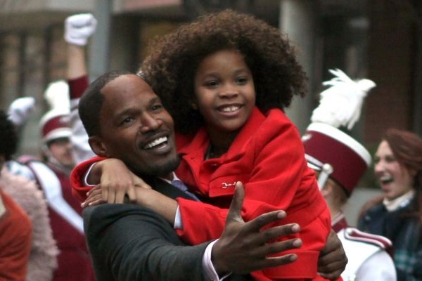 Will Stacks usa Annie para conquistar eleitores na corrida pela prefeitura de Nova York (Sony Pictures/Divulgação)