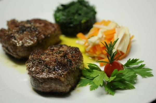 Pratos que têm a carne como protagonista são alternativa no Piantella  ( Bruno Peres/CB/D.A Press)