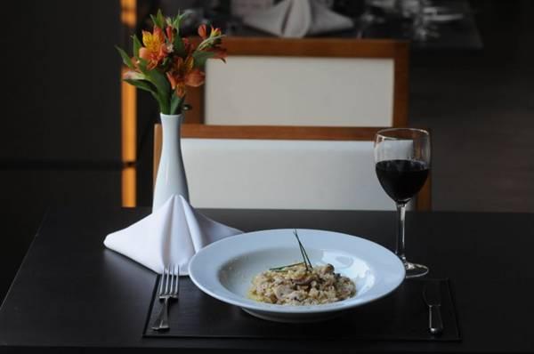 Geralmente finalizado com manteiga, risoto do Le Plateau D'Argent é feito com a ghee  (Carlos Moura/CB/D.A Press)