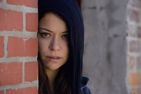A personagem Sarah Manning, interpretada por Tatiana Maslany, é o centro da história  (Steve Wilkie/Divulgação)