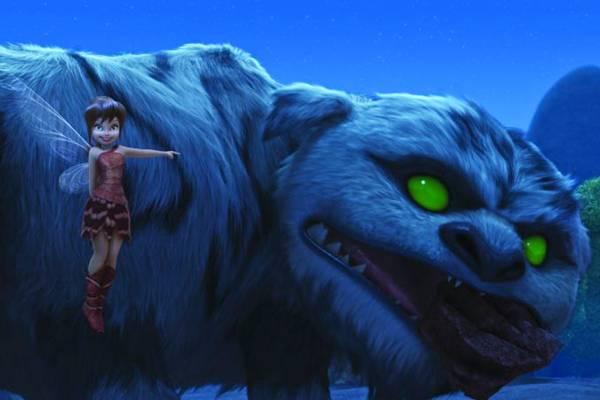 Fawn tenta convencer as outras fadas do bom coração do animal  (Disney/Divulgação)