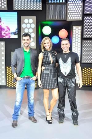 Equipe do Chega mais: promessa de games e atrações musicais  (RedeTV/Divulgação)