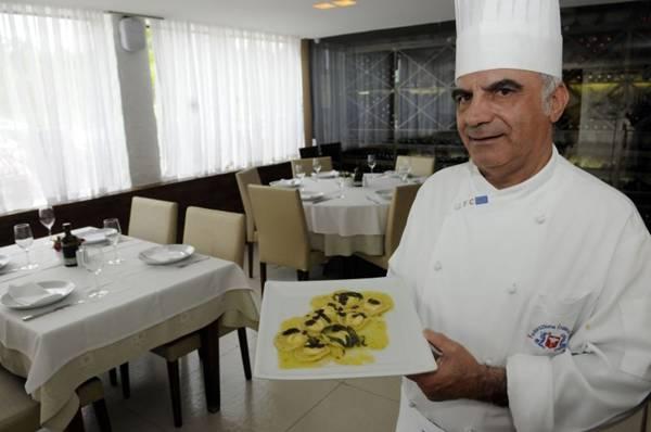 Ravióli recheado de queijo Bel Paese na manteiga de sálvia, mostarda francesa e creme de trufas feito pelo chef Rosario Tessier  (Bruno Peres/CB/D.A Press)