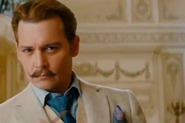 Charles Mortdecai, na pele de Johnny Depp, usa o charme para viajar o mundo atrás de uma obra de arte  (Paris Filmes/CB/D.A Press)