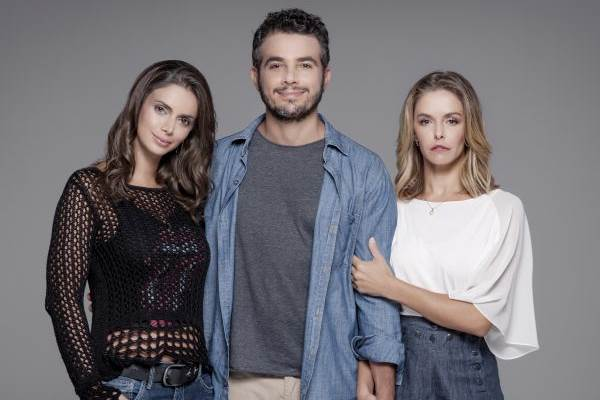 Simone Zucato, Anderson Di Rizzi e Bianca Rinaldi compõem o elenco da peça  (Priscila Prade/Divulgação)