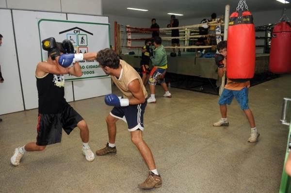 Aperfeiçoamento da coordenação motora, maior resistência física e tonificação muscular estão entre os principais benefícios do boxe  (Paulo de Araújo/CB/D.A Press)