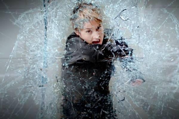 Tris (Shailene Woodley) encara o desafio de desvendar os mistérios das facções  (Paris Filmes/Divulgação)