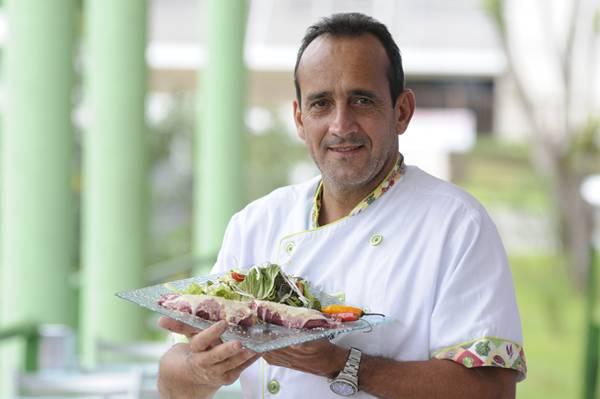 Panqueca ganha recheio de peixe nas mãos do chef Paulo Maurício  (Bruno Peres/CB/D.A Press)