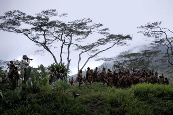 Sebastião Salgado  fotografa índios: olhar sobre o inusitado (Imovision Filmes/Divulgação)