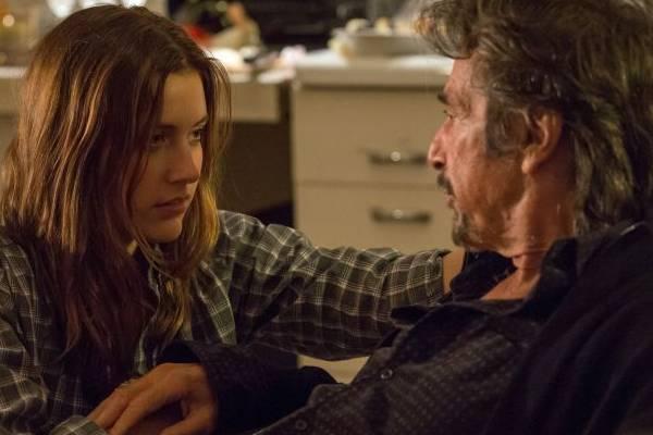 Greta Gerwig e Al Pacino vivem casal problemático em O último ato  (California Filmes/Divulgação)