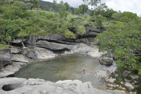 Poço Encantado tem conservada uma boa parte de vegetação do cerrado  (Antonio Cunha/CB/D.A Press)
