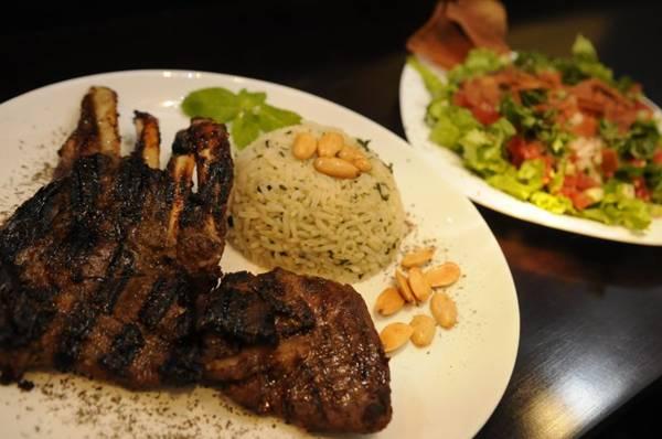 O carré de cordeiro é um dos pratos mais pedidos no Arabetto  (Bruno Peres/CB/D.A Press)