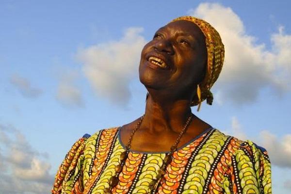 A cantora pernambucana Lia de Itamaracá é uma das atrações do projeto Som da rural  (Lia Letícia/Divulgação)