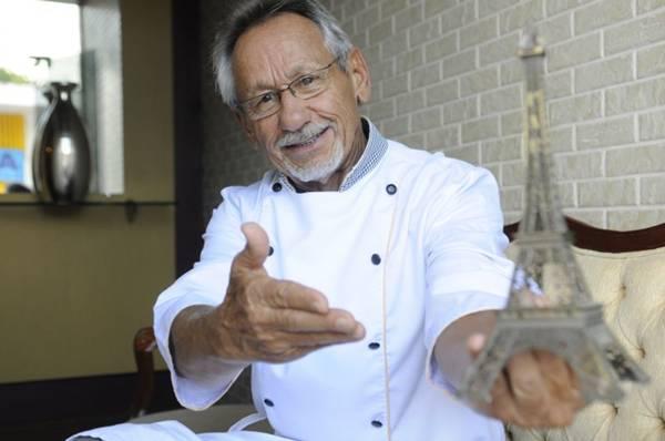 Severino Xavier se orgulha de servir a várias gerações de brasilienses (Bruno Peres/CB/D.A Press)
