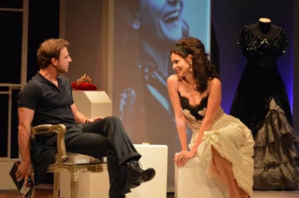 A experiência fez Silvia Pfeifer ficar mais à vontade no palco como Callas (Renata Dillon/Divulgação)