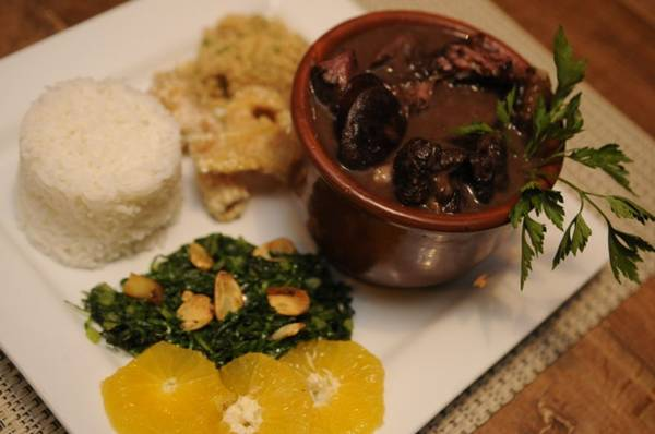 Feijoada completa no D'Vilela - preço módico e prato farto (Bruno Peres/CB/D.A Press)
