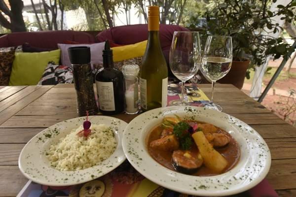 Além do peixe, a recita de mojica leva molho pantaneiro e vinho branco  (Ed Alves/CB/D.A Press)