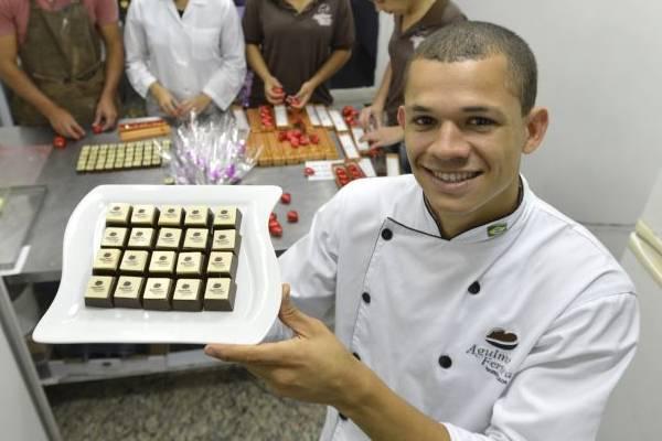 Perfil de sucesso de Alexandre Ferreira, ex-jogador de futebol que abriu uma empresa de doces, no Sudoeste (Gustavo Moreno/CB/D.A Press)