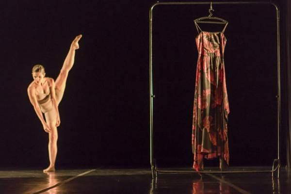 A bailarina e atriz Rosa Antuña estará em Brasília para apresentar três espetáculos de dança e teatro (Marco Aurélio Prates/Divulgação)