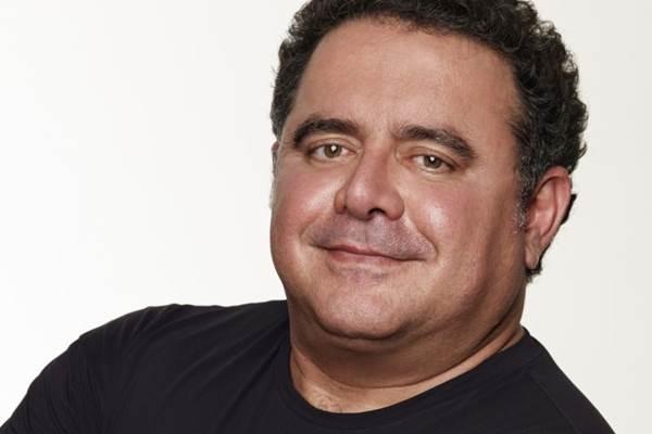 O cantor promete hits e garante surpresas  (Rodrigo Lopes/Divulgação)