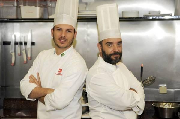 Thiago Soares e Sebastian Parasole defendem diferentes formas de assar as carnes ( Bruno Peres/CB/D.A Press)