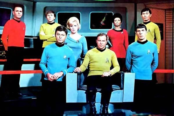 Elenco original de Star trek: foram três temporadas  (RedeTV!/ Divulgação)