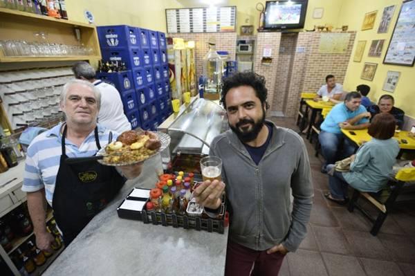Lolo e Dillo D'Araújo: variedade do cardápio do Bar dos Pescadores é grande (Daniel Ferreira/CB/D.A Press)