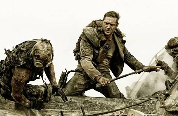 Tom Hardy dá vida a um reciclado herói (Warner/Divulgação)
