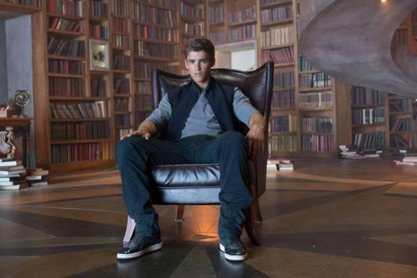 Jonas é o novo guardião dos segredos em O doador de memórias (Paris Filmes/Divulga??o)